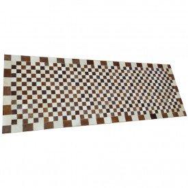 tapete xadrez marrom e branco